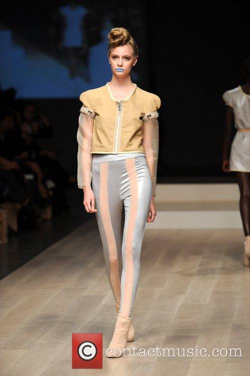 Model LG Fashion Week Spring/Summer 2011 - Amanda...