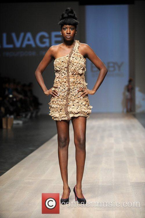 Model  LG Fashion Week Spring/Summer 2011 -...