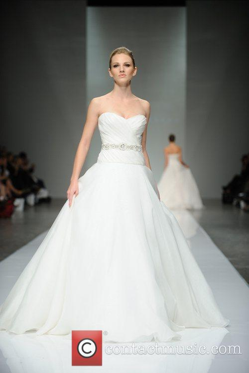 LG Fashion Week Spring/Summer 2011 - Romona Keveza...