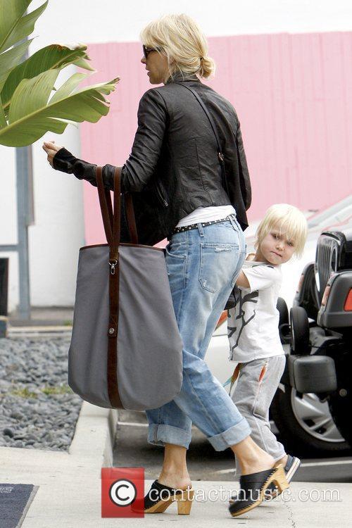Naomi Watts and Sasha 11