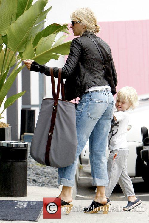 Naomi Watts and Sasha 8
