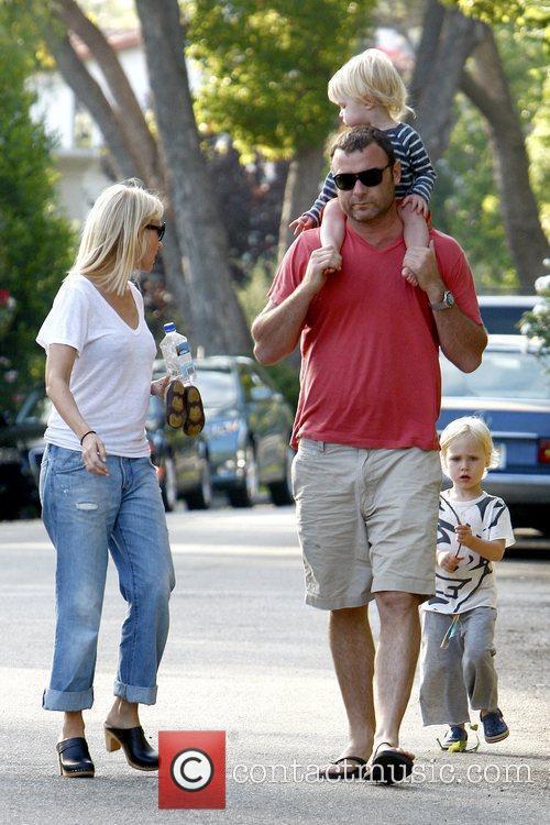 Naomi Watts, Liev Schreiber and Sasha 9