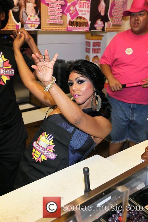 Lil' Kim visits Millions Of Milkshakes in West...