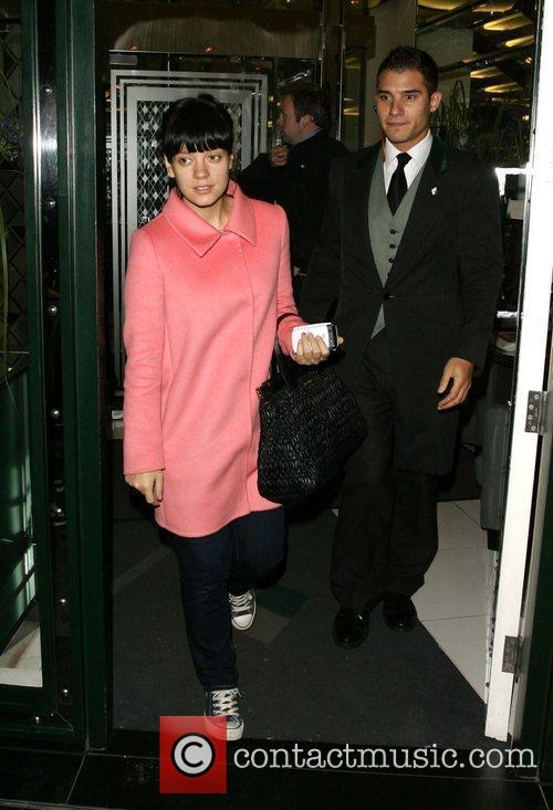 Lily Allen and Leaves 10