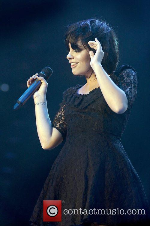 Lily Allen, Manchester Evening News Arena
