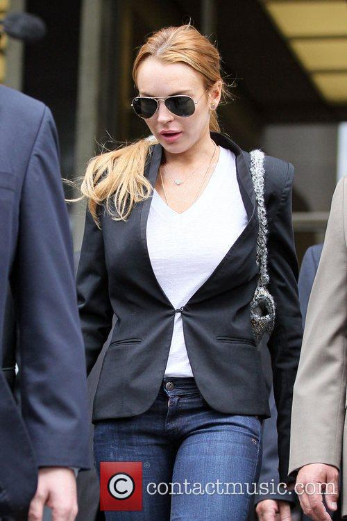 Lindsay Lohan, Battles and Clinic 17
