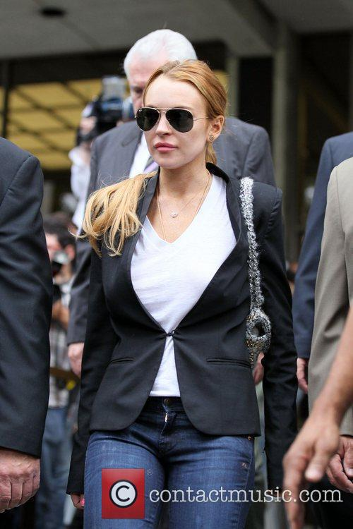 Lindsay Lohan, Battles and Clinic 21