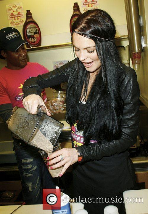 Lindsay Lohan and Ali Lohan 24