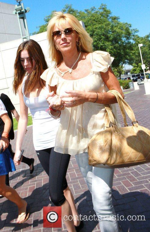 Ali Lohan and Lindsay Lohan 4