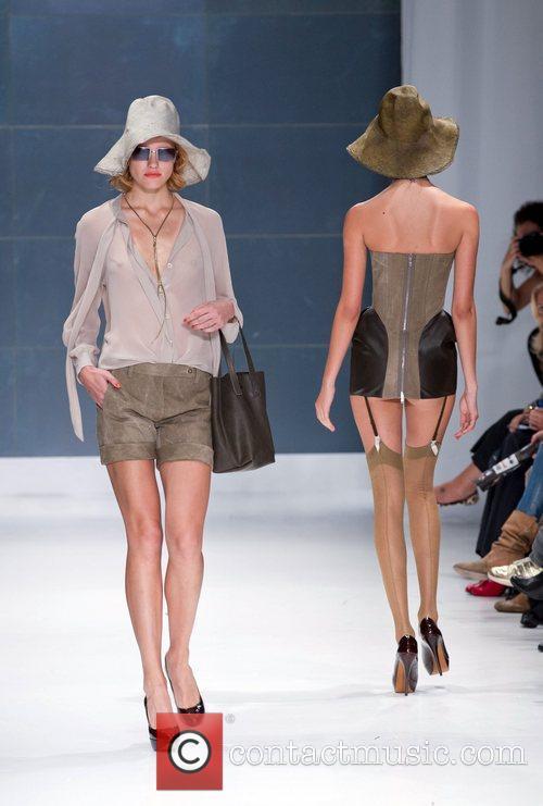 Model Lisbon Fashion Week Spring/Summer 2011 - Filipe...