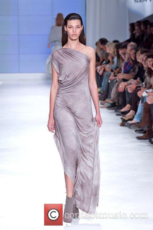 Lisbon Fashion Week Lukasz Jemiol Spring/Summer 2011 -...