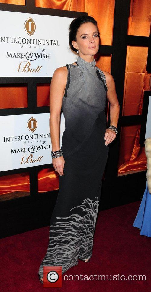 Gabrielle Anwar 5