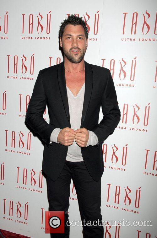 Maksim Chmerkovskiy and Dancing With The Stars 6