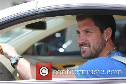 Maksim Chmerkovskiy and Dancing With The Stars 9