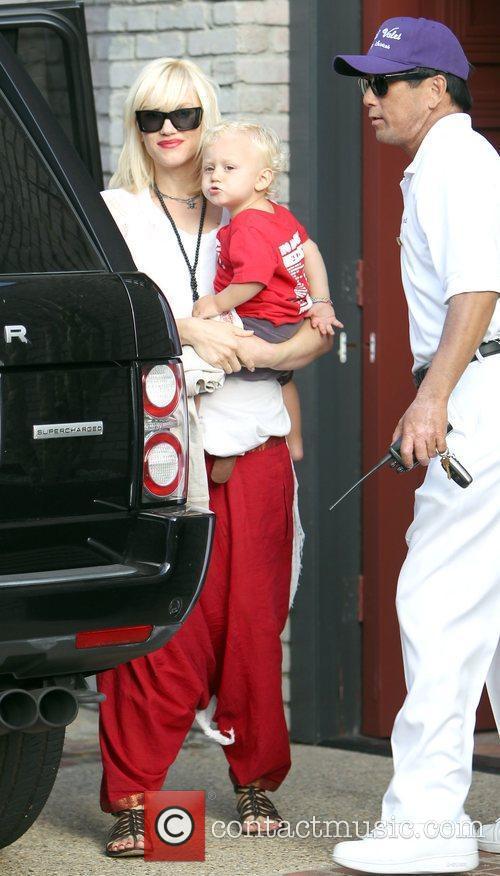 Singer Gwen Stefani and Gwen Stefani 6