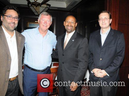 Sir Alex Ferguson, Mayor Michael Nutter, Concha Y Toro's Giancarlo Bianchetti and Sebastian Lopez 5