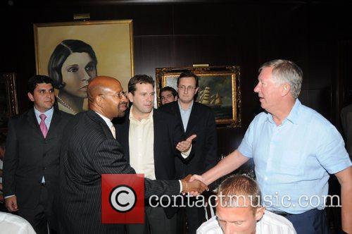 Sir Alex Ferguson and Mayor Michael Nutter 7