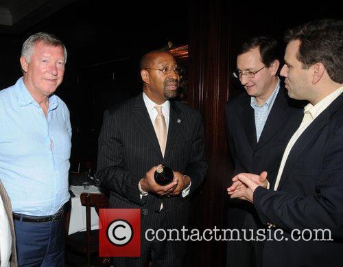 Sir Alex Ferguson, Mayor Michael Nutter, Concha Y Toro's Giancarlo Bianchetti and Sebastian Lopez 2