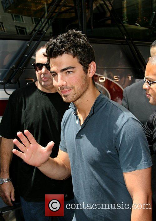 Joe Jonas leaving his Hotel in Manhattan New...