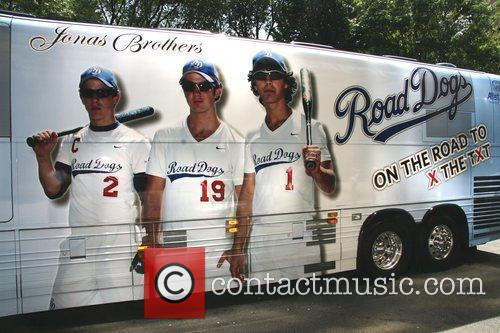 The Jonas Borthers tour bus outside their Hotel...