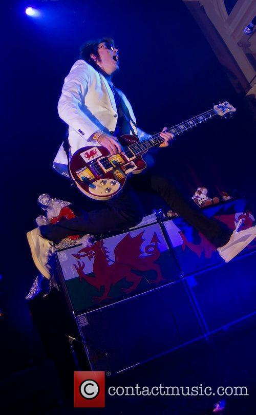 Nicky Wire and Manic Street Preachers 1