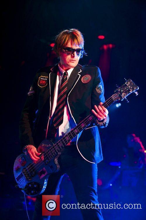 Nicky Wire and Manic Street Preachers 7