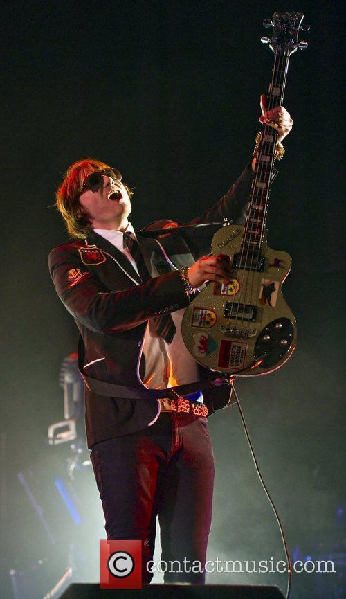 Nicky Wire and Manic Street Preachers 4