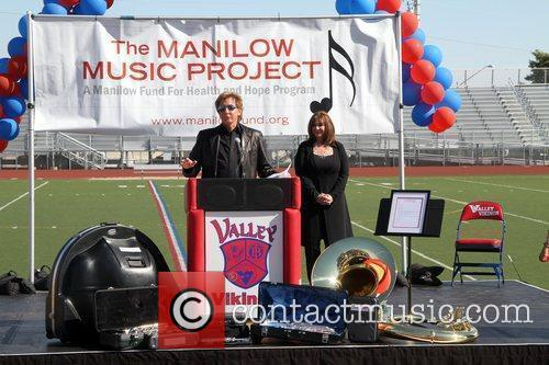 Barry Manilow  Manilow Music Project donation ceremony...
