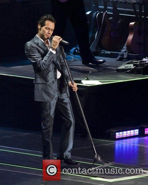 Marc anthony performing live in concert at madison - Marc anthony madison square garden ...
