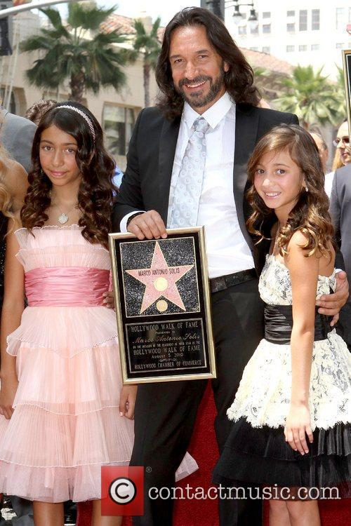 Marco Antonio Solis and Daughters 7