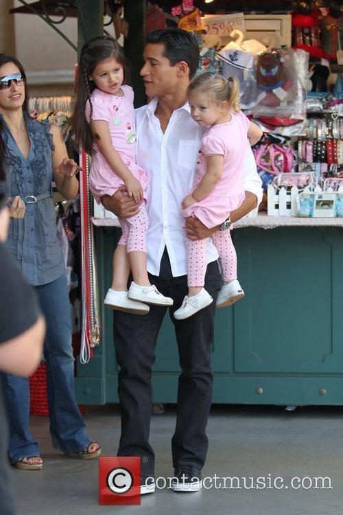Mario Lopez and Pink 6