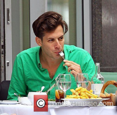 Mark Ronson enjoys lunch with a friend at...