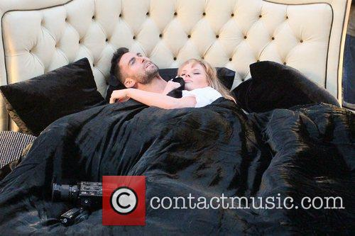 Adam Levine and Anne Vyalitsyna 6