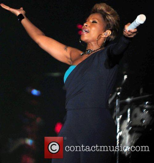 Singer Mary J Blige  performs at 5th...