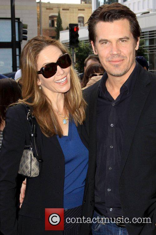 Diane Lane and Josh Brolin 7