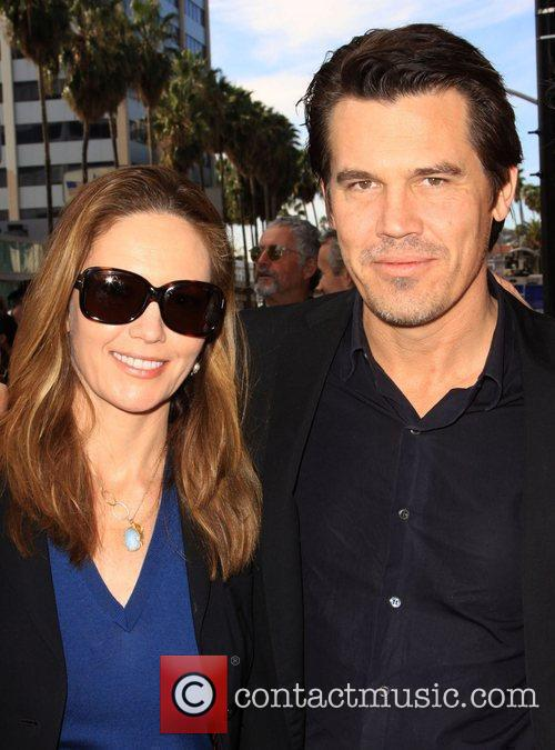 Diane Lane and Josh Brolin 6