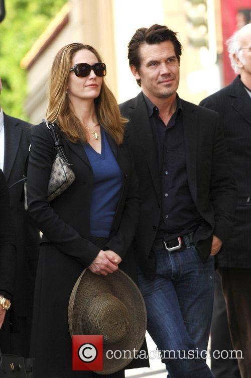 Diane Lane and Josh Brolin 14
