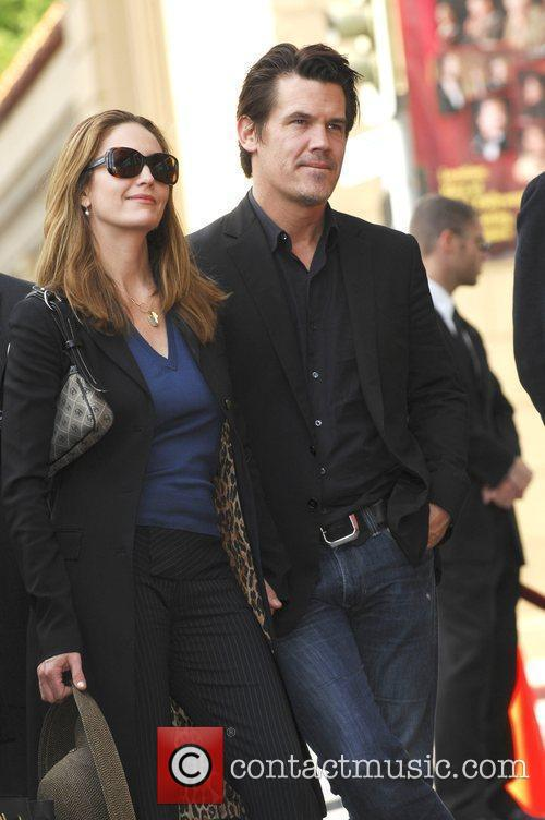 Diane Lane and Josh Brolin 17