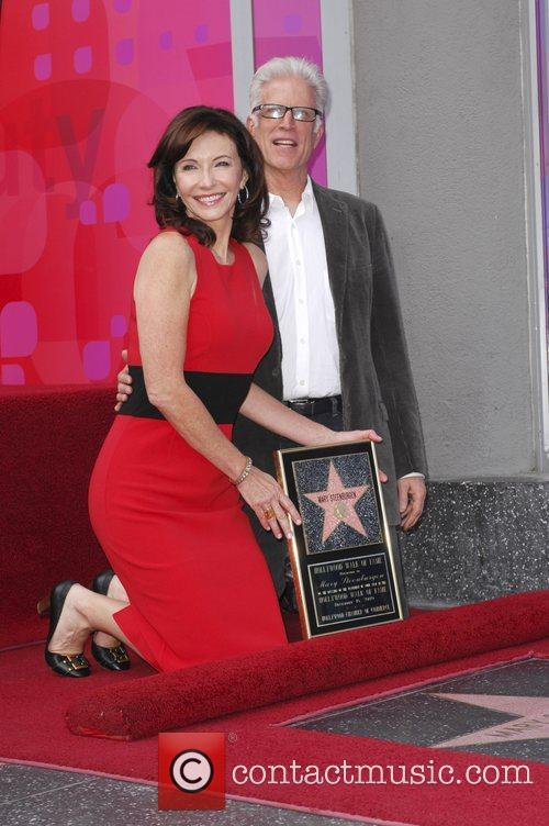 Mary Steenburgen and Ted Danson 7