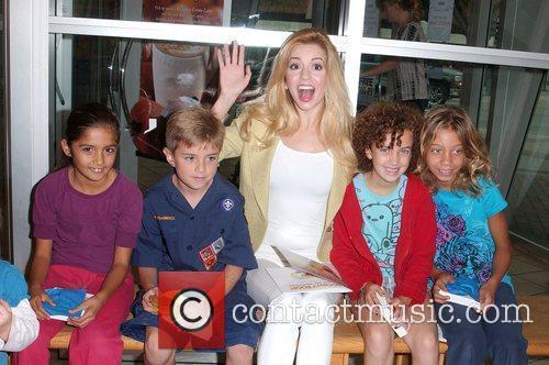 Masiela Lusha Signing of Masiela Lusha first children's...