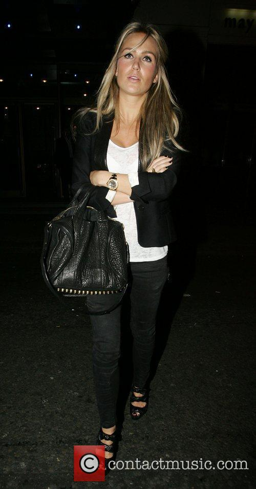 Alex Curran and Leaves 5