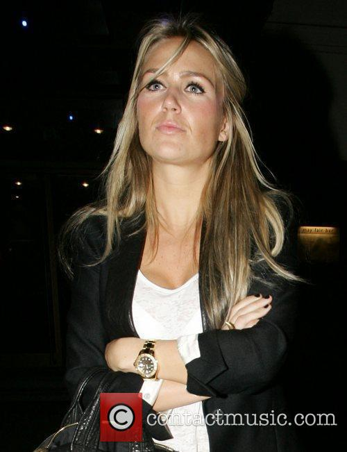 Alex Curran and Leaves 6