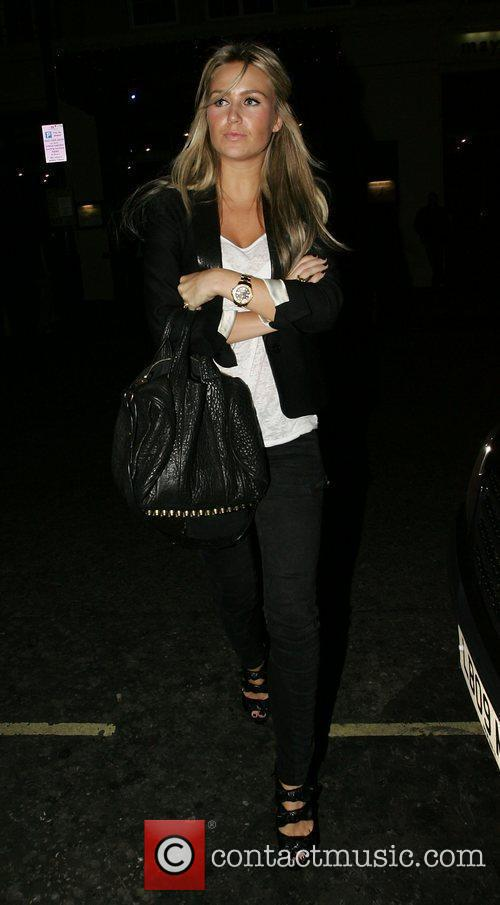 Alex Curran and Leaves 3