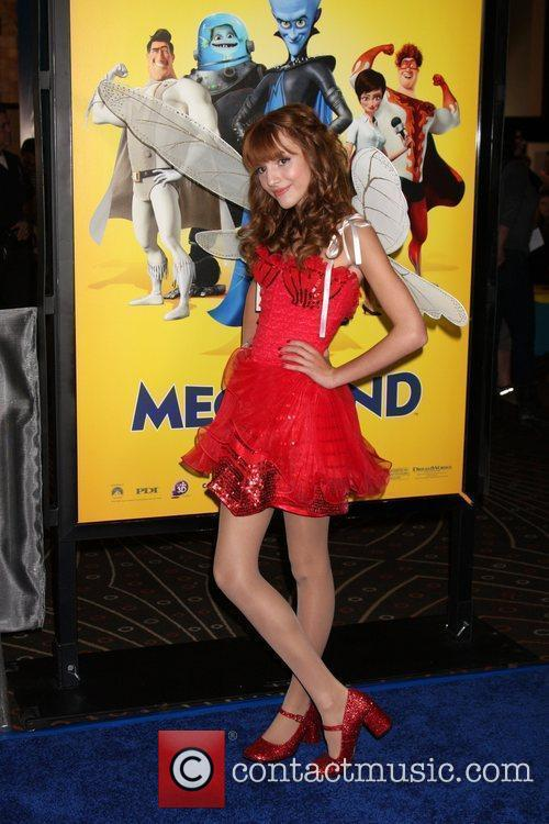 Bella Thorne and Mann 3