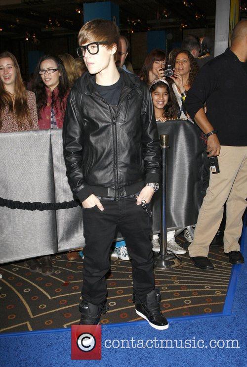 Justin Bieber and Mann 6