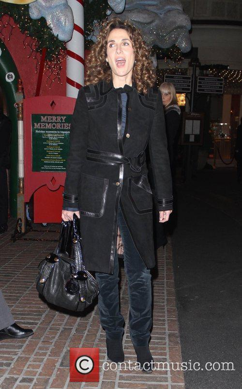Takes her daughter Christmas shopping in Hollywood