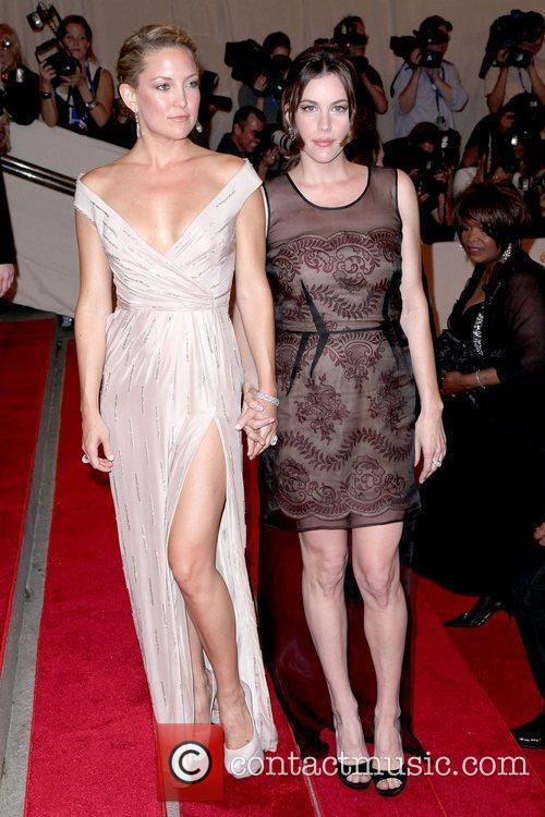 Kate Hudson and Liv Tyler 4