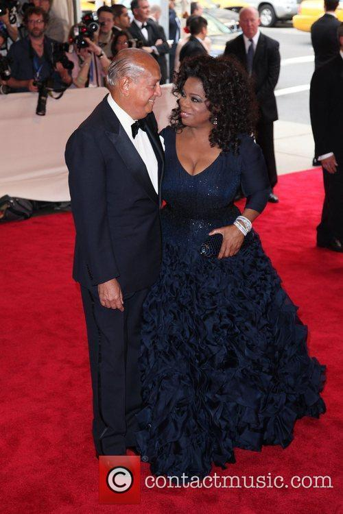 Oprah Winfrey and Oscar De La Renta 3