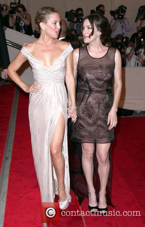 Kate Hudson and Liv Tyler 10