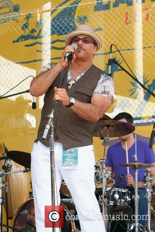 Howard Hewett 8